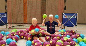 Die neue Saison kann kommen: HFH beschafft Bälle und Netze